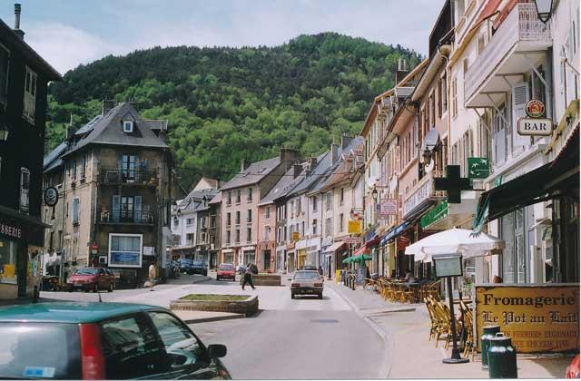 View along rue du Breuil, La Mure.